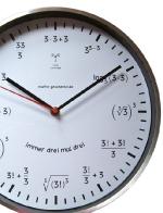 Mathematische-Design-Funkuhr-